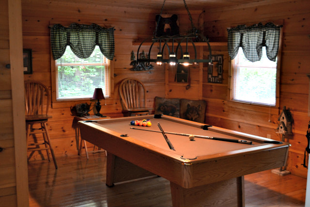 Game Room Lazy Bear Cabin Gatlinburg